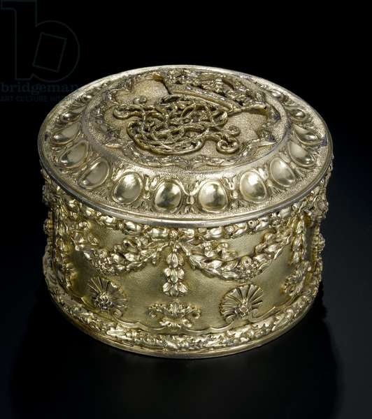 Silver-gilt circular box with cover from the Lennoxlove toilet service, owned by Frances Teresa Stewart, Duchess of Richmond and Lennox: French, Paris, assayed between April and September 1672 (A.1954.8 I)