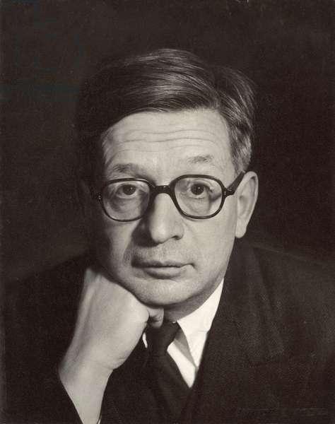 Sir Rudolf Ernst Peierls (1907-95) (b/w photo)
