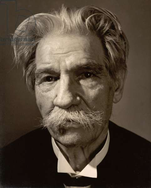 Albert Schweitzer (1875-1965) (b/w photo)