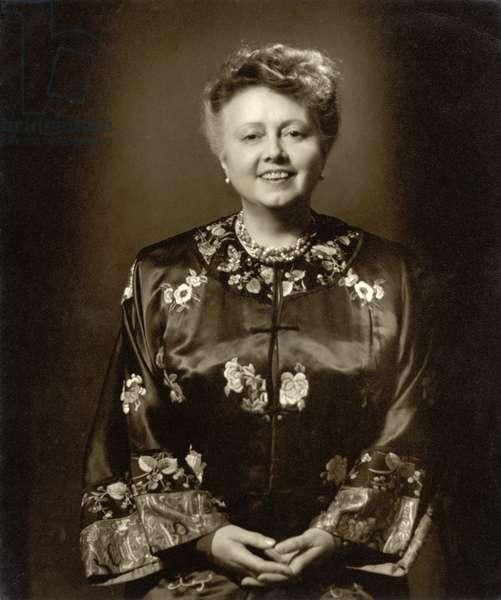 Elizabeth Schumann (1888-1952) (b/w photo)