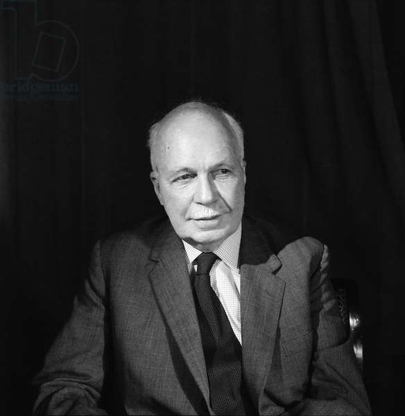 Sir William Bragg (1890-1971) (b/w photo)