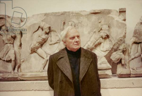 Stephen Spender at the British Museum, 11 March 1974 (photo)