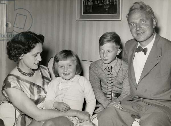 Stephen and Natasha Spender with children Matthew and Lizzie (b/w photo)