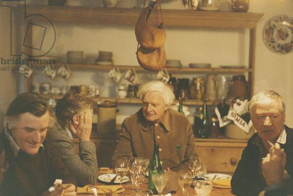 Stephen Spender with friends (photo)