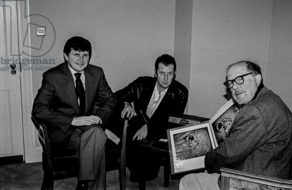Charles Simonyi, Christian Seidel and Nicolas Roeg, St James Hotel, London 2000 (b/w photo)