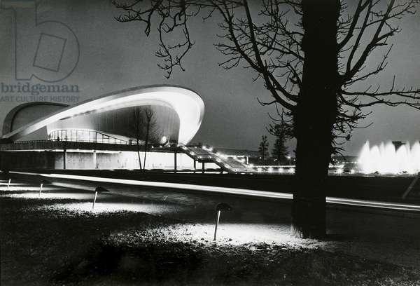 Congress Hall, Berlin, 1957 (gelatin silver print)