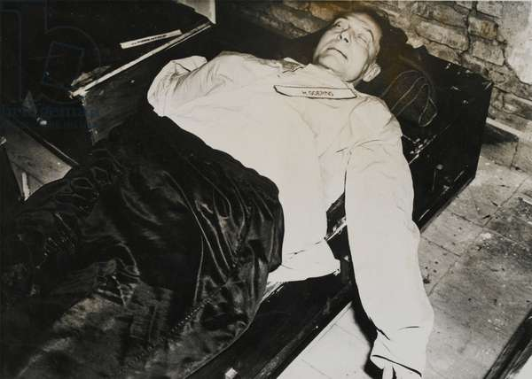 The body of Hermann Goering after his suicide, the day before his scheduled execution, 23rd April 1945 (b/w photo)