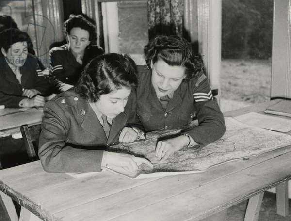 Princess Elizabeth at map reading class, 1945 (b/w photo)
