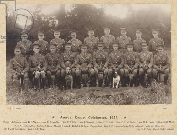 Photograph of officers, 4/5th Bn The Buffs (East Kent Regiment), Territorial Army, Annual Camp, Colchester, 1927 (b/w photo)