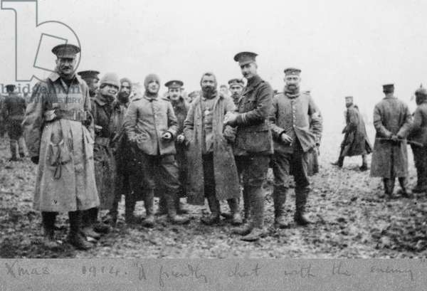 'A friendly chat with the enemy', the Christmas Day Truce of 1914 (b/w photo)