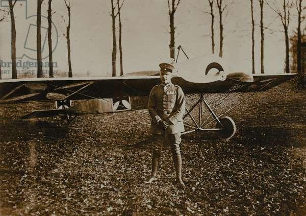 'A Hun airman with a good war record', 1916 circa (b/w photo)