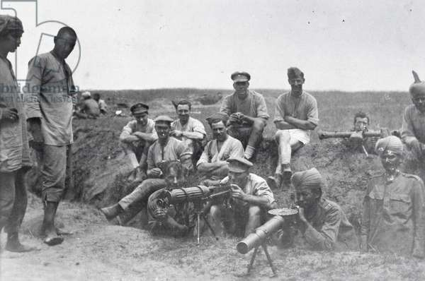 Machine gun crews with Vickers machine gun, Lewis gun and rangefinder, Mesopotamia, World War I, (b/w photo)