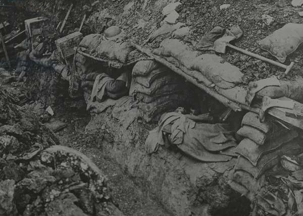 Dugouts on the Somme, September 1916 (b/w photo)