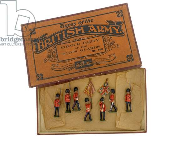 Box set of model soldiers: Colour Party of the Scots Guards, 1933-40 (wood)