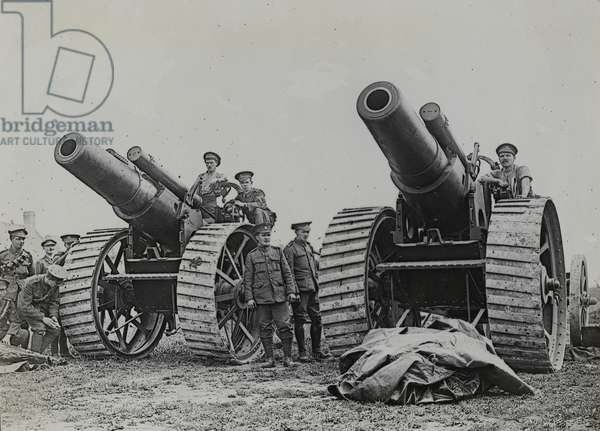 8-inch howitzers of 135th Siege Battery at La Houssoye on the Somme, 25 August 1916 (b/w photo)