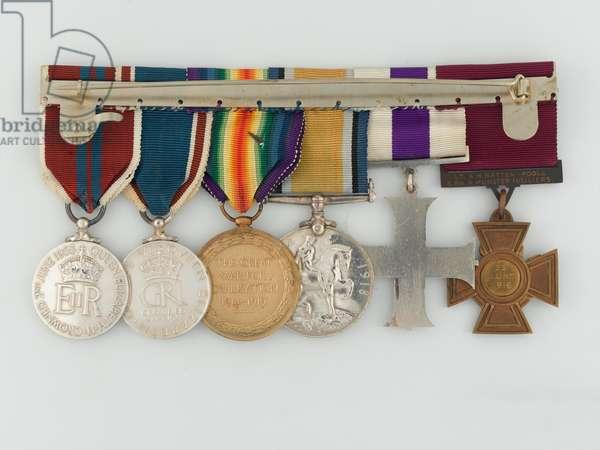 VC group, Lieutenant Arthur Batten-Pooll, 3rd Battalion, The Royal Munster Fusiliers, 1916 (metal)