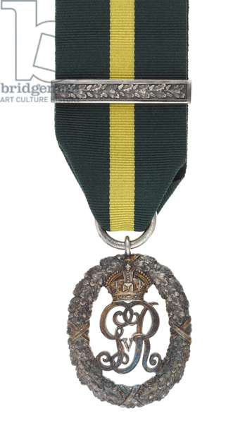 Territorial Decoration, George V issue (metal & ribbon)