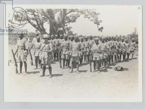 'B' Company, 4th Battalion, The King's African Rifles, 1940 circa (b/w photo)