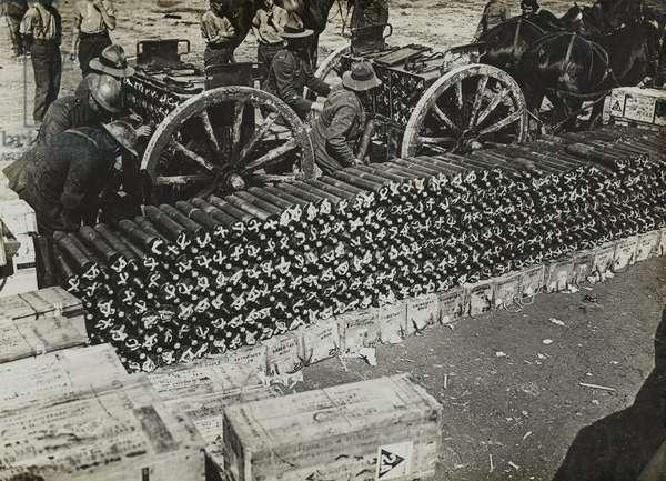 New Zealand troops loading ammunition limbers near Albert, September 1918 (b/w photo)