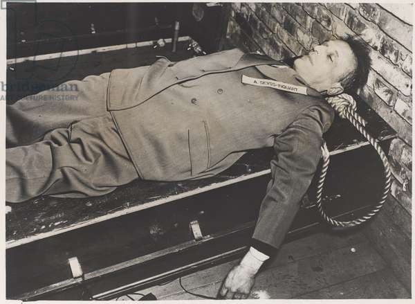 The body of Arthur Seyss-Inquart, Austrian traitor and Governor of Occupied Holland, 1946 (b/w photo)