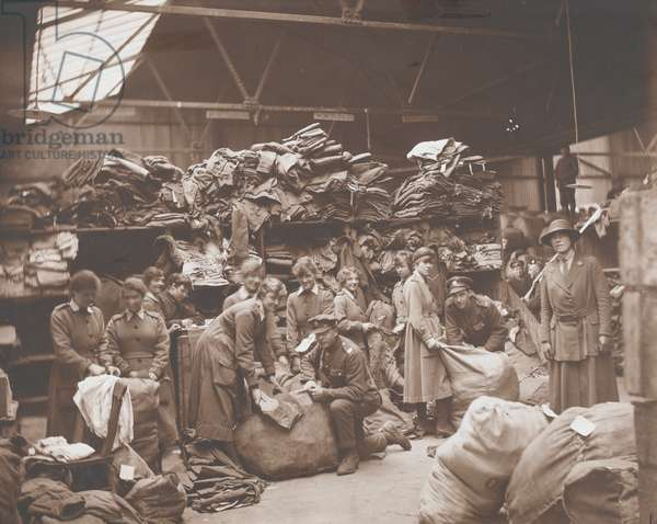 Women's Army Auxiliary Corps sorters at the Royal Army Ordnance Corps Depot (b/w photo)