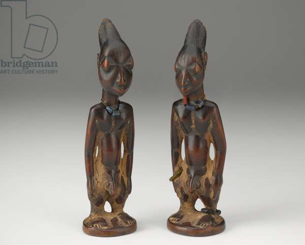 Twin Figures (Ere Iboji), late 19th or early 20th century (wood, beads, string and camwood powder)