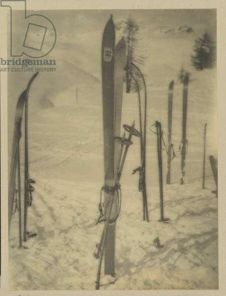 Skis, 1924-25 (gelatin silver photo)