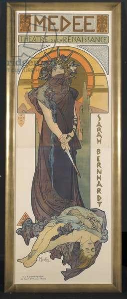 Sarah Bernhardt as Medee at the Theatre de la Renaissance, 1898 (colour litho)