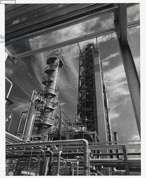 Stanvac refinery, Altona, Victoria, 1955 (gelatin silver photo)