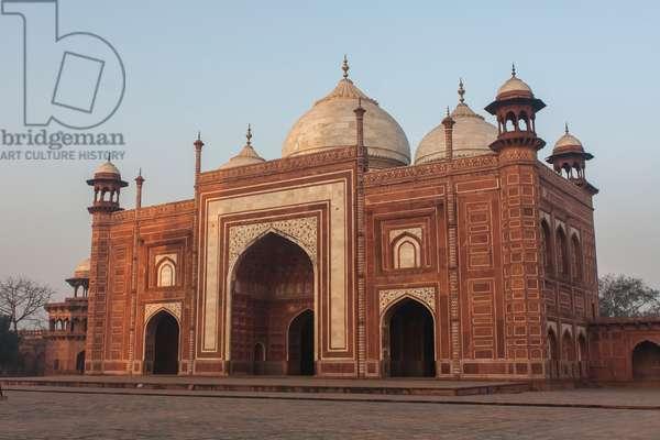 The Taj Mahal Mosque or masjid (photo)