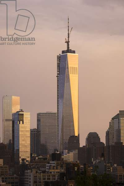 Lower Manhattan at dusk and One World Trade Center, The Freedom Tower (photo)