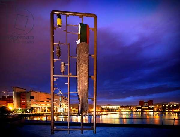 Sculpture of the Titanic at Titanic Quarter in Belfast (photo)