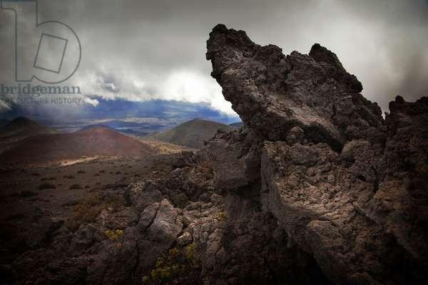 Lava formations on the road to Mauna Kea on the Big Island of Hawaii (photo)