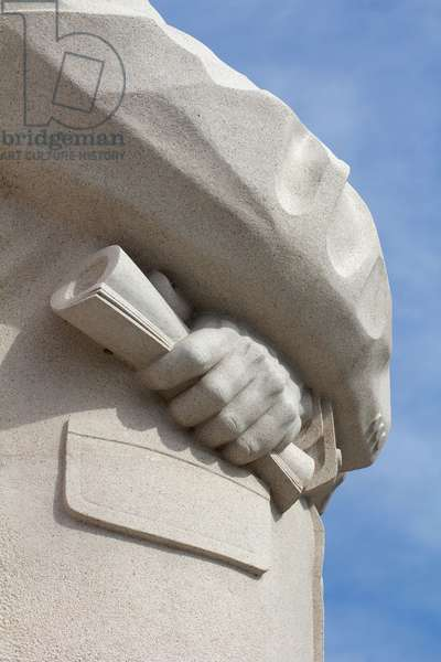 Close detail of the granite statue of Dr Martin Luther King, Jr (photo)