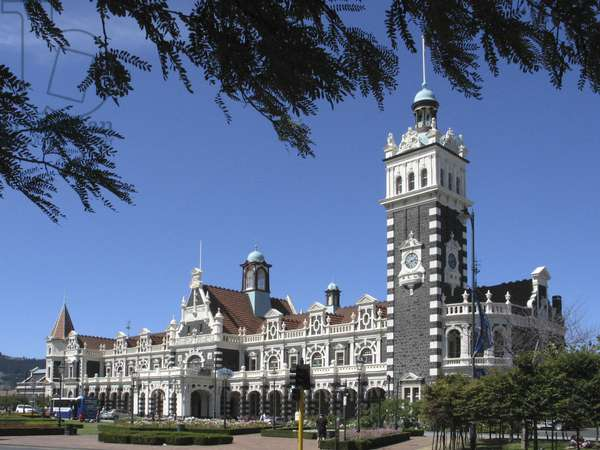 The Dunedin railway station is the largest and busiest railway station in New Zealand (photo)