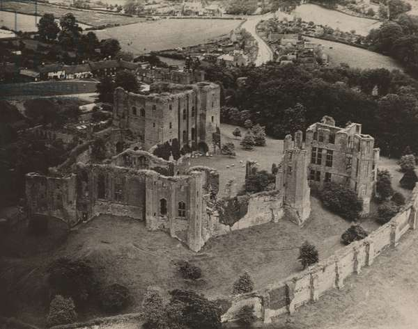 An aerial view of the ruins of Kenilworth Castle, 1922 (b/w photo)