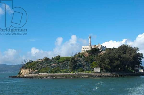 Alcatraz Island and prison (photo)