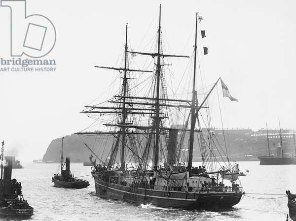 Departure of Captain Scott's Antarctic Expedition Aboard the 'Terra Nova on 15th June, 1910 (b/w photo)