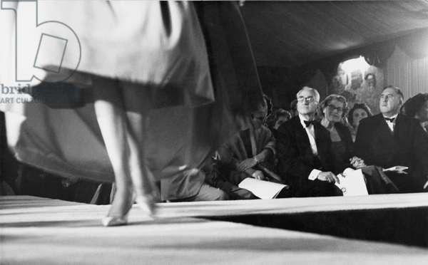 Pierre Balmain's Autumn Collection, London, 1958 (b/w photo)