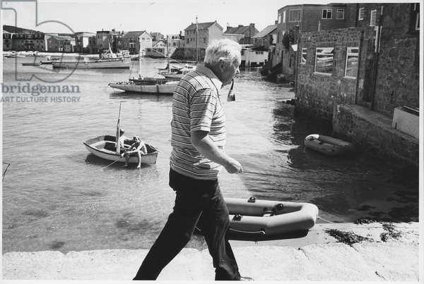 Harold Wilson in Isles of Scilly (b/w photo)