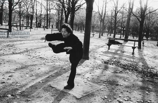 T'ai chi in the Luxembourg Gardens, Paris, 2013 (b/w photo)