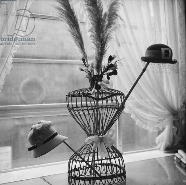 Hat shop, Manchester, 1959 (b/w photo)