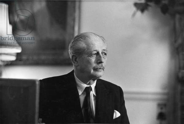 Harold McMillan, Admiralty House, 1962 (b/w photo)