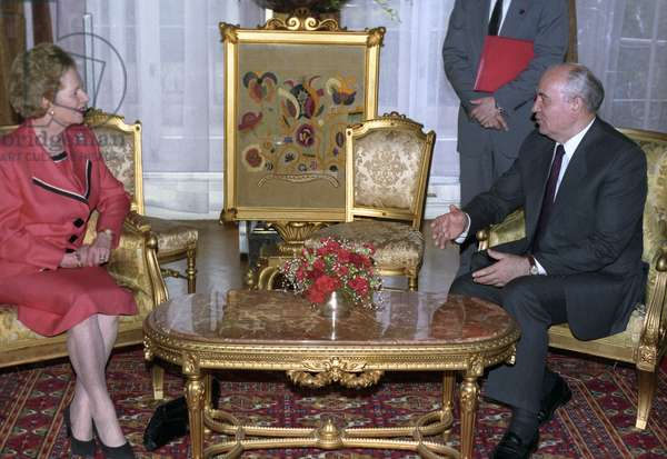 British Prime Minister Margaret Thatcher and Soviet President Mikhail Gorbachev, 1991 (photo)
