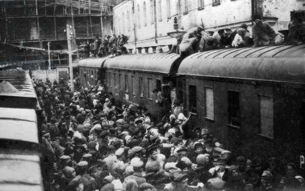 Taking a train by storm, 1919 (b/w photo)