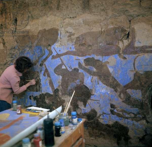 Scientists restoring murals at Afrasiyab, Samarkand, Uzbekistan (photo)