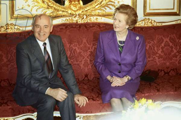 Margaret Thatcher and Mikhail Gorbachev at a  Security Conference in Paris, France, 1990 (photo)