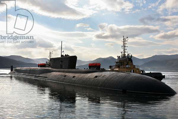 The Russian Project 955 strategic nuclear submarine Vladimir Monomakh arrives at its permanent base in Vilyuchinsk, Kamchatka, 2016 (photo)