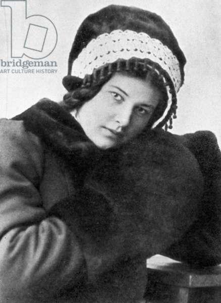 Larisa Reisner, 1912 (b/w photo)