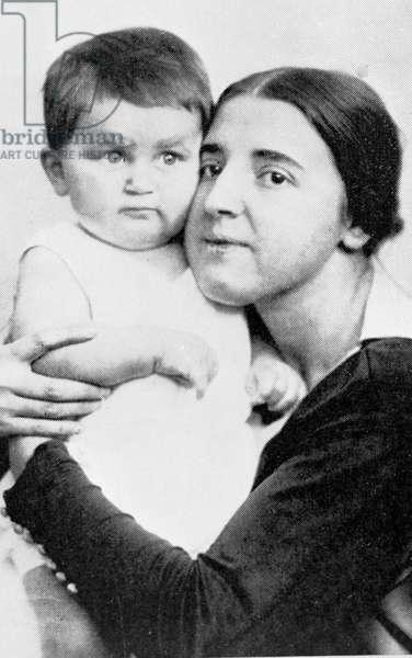 Nadezhda Allilueva, the wife of Joseph Stalin, and their son Vasily, August 1, 1922 (photo)